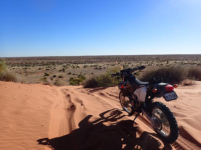 オーストラリア シンプソン砂漠横断 添乗レポート(その2)