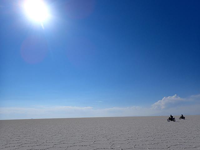 ウユニ塩湖バイクツアー 添乗レポート(その2)